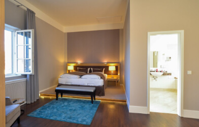 Ansicht des Schlafzimmers in der Suite