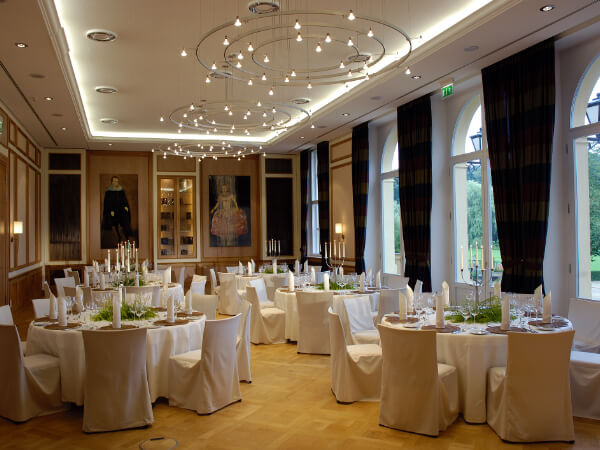 Der Schlosssaal feierlich dekoriert